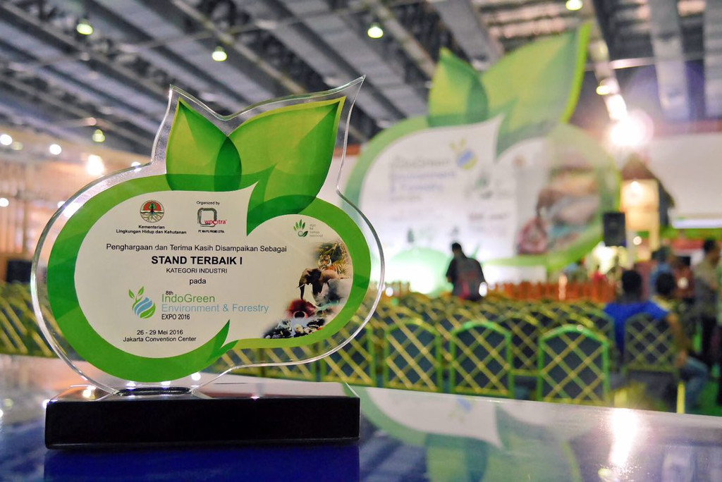 APRIL received award as Best Stand 2016 for Industry Category in IndoGreen
