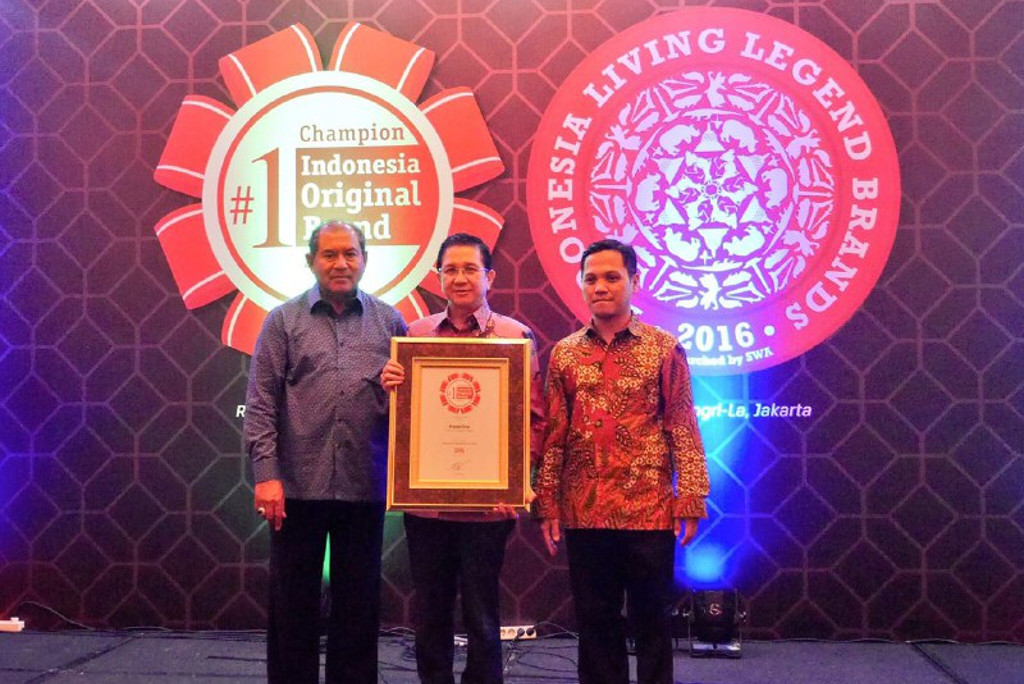 PaperOne received SWA Indonesia Original Brand Award 2016, Jakarta