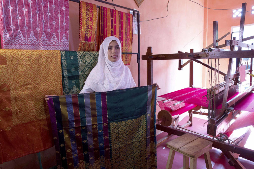 Cloth Weaving Programme