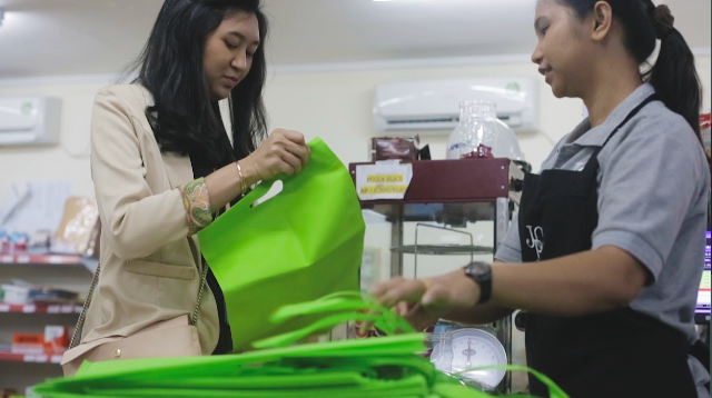 APRIL's campaign to reduce single-use plastic in Indonesia