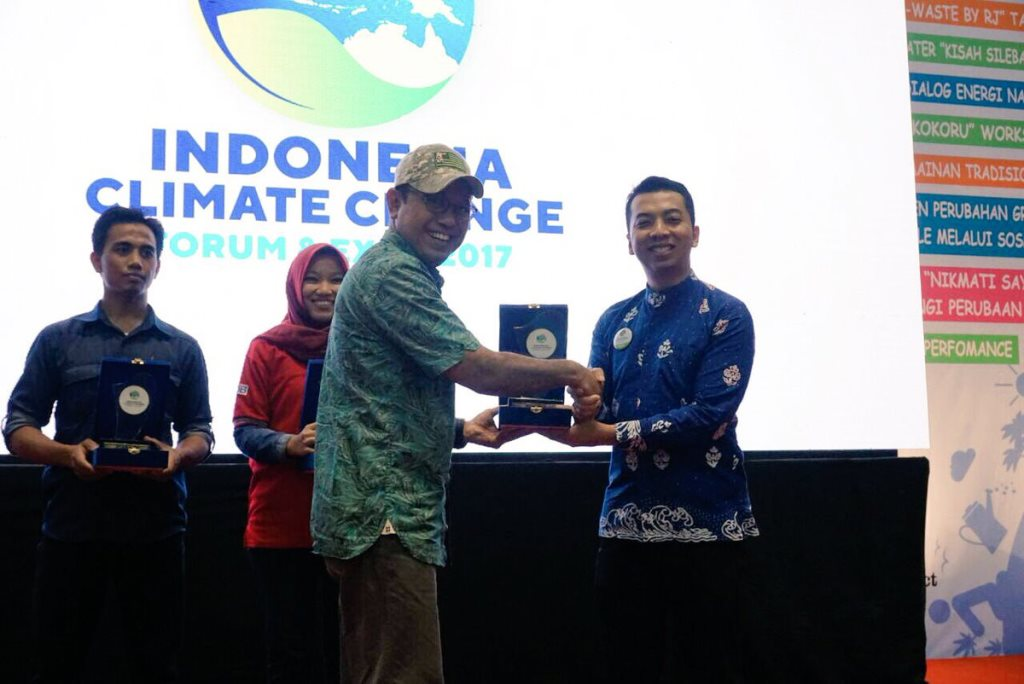 Participating at Indonesia Climate Change Exhibition 2017, where we won best booth