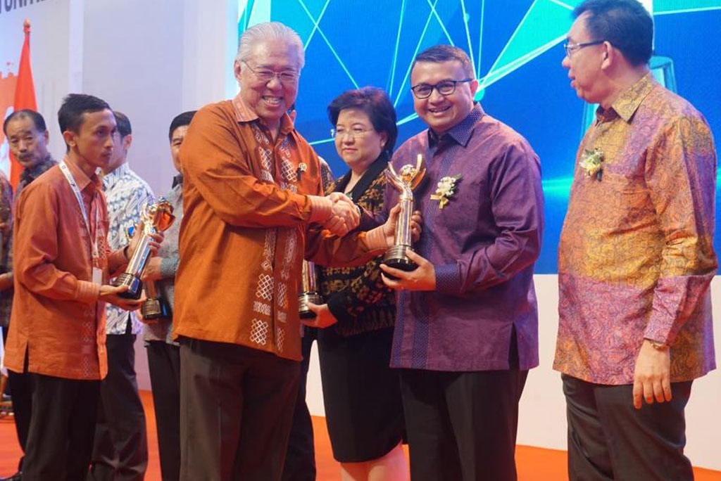 APRIL received the Primaniyarta Award 2018 from the Ministry of Trade of Republic Indonesia, as a top exporter.