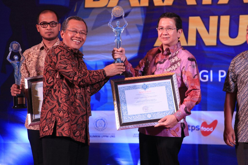 PT. RAPP received award in UNS SMEs Award 2016, Solo