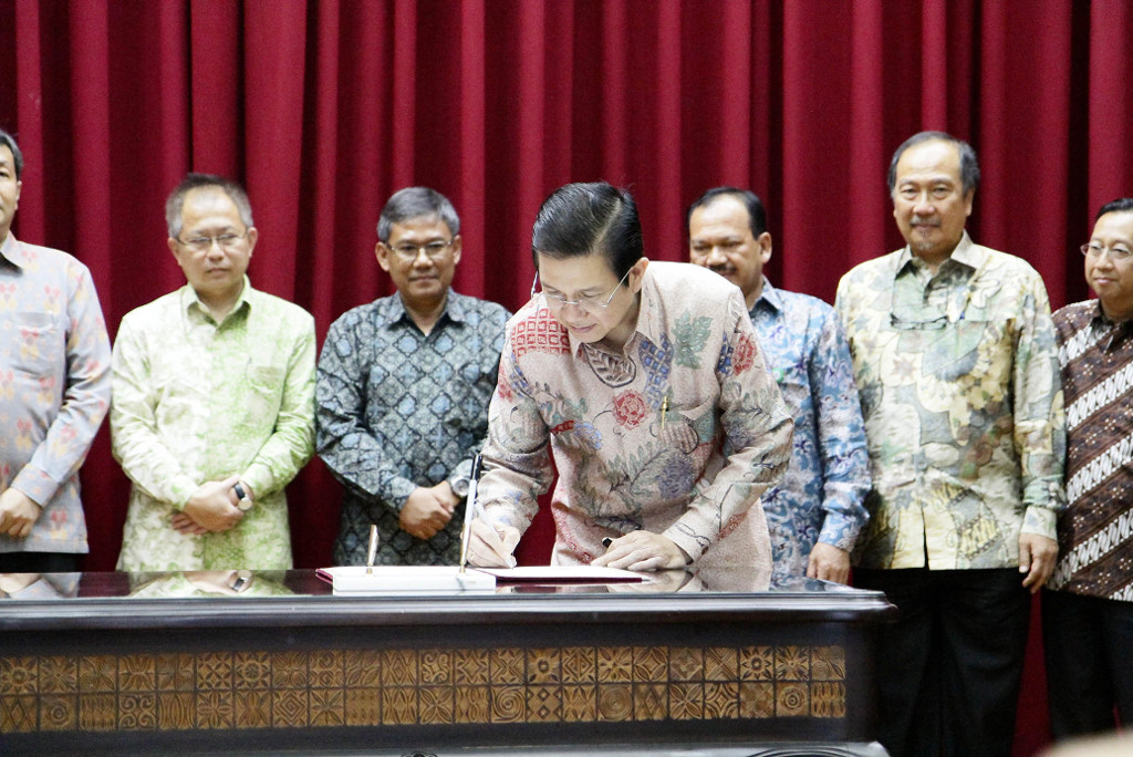 APRIL MD Tony Wenas signs MOU with Government, on Fire-Free Village Program Pilot Project, Jakarta